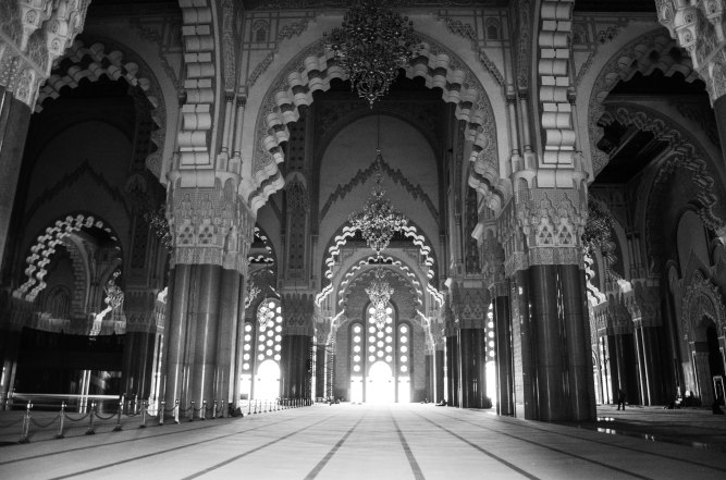 A peek into the Grand Mosque in Tangier (I was not allowed to bring my estrogen inside)